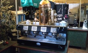 Refurbished espresso machine Brasila 4 group Portofino with optional dome